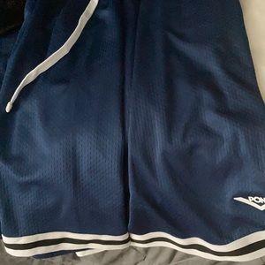 Short basketball shorts